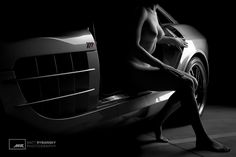 Krása Ženského Tela - Lambda (c) Matt Rybansky  bw color black and white art nude photography model luxury sport car mercedes | beauty of female body