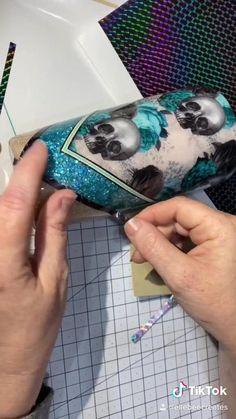 Diy Resin Art, Diy Resin Crafts, Vinyl Crafts, Vinyl Tumblers, Custom Tumblers, Personalized Tumblers, Glitter Cups, Glitter Tumblers, Tumblr Cup