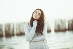 Meg Myers the phenomenal singer songwriter. I ♥ her voice!!! Absolutely obsessed with Make a Shadow!!!