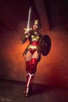 Nikita Cosplay Injustice Wonder Woman 1