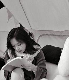 mina you writing for jimin your lover K Pop, Akira, Chaeyoung Twice, Twice Kpop, Myoui Mina, Im Nayeon, You Are Special, Japanese American, Dahyun
