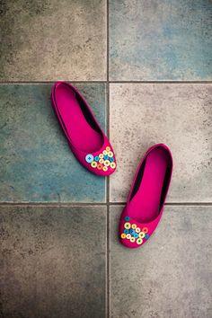 diy shoes, zapatos, pink, botones, buttons, manoletinas diy.