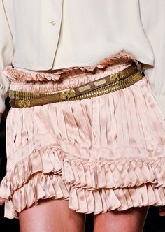Isabel Marant, Fall 2012 - Pink skirt, ivory blouse, gold belt This would look great on my daughter. Fashion Week, High Fashion, Womens Fashion, Street Fashion, Isabel Marant, Dress Skirt, Dress Up, Skirt Belt, Satin Skirt