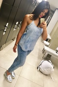 All jeans, calça jeans destroyer zara, blusinha jeans revanche, slip on prata Ana capri , outfit , look do dia , batom Mac candy yummi yummi , armário cápsula.