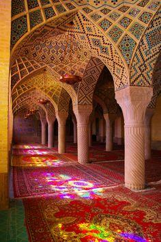 Iran Architecture, Beautiful Architecture, Beautiful Buildings, Architecture Design, Shiraz Iran, Pink Mosque, Iran Travel, Vietnam Travel, Karbala Photography