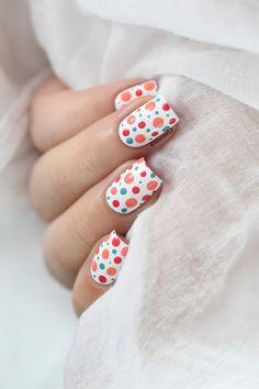http://marinelovespolish.blogspot.fr/2016/09/colorful-polka-dots-video-tuto.html