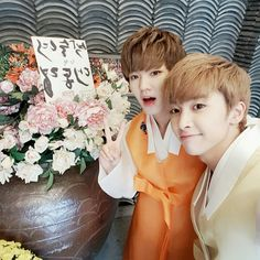 160914 UP10TION Hwanhee & Xiao #UP10TION #업텐션 #Hwanhee #환희 #ファニ   #Xiao #샤오 #シャオ