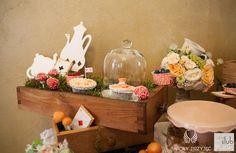 41. Alice in Wonderland Wedding,Sweet table decor,Vintage,Sweets / Alicja w Krainie Czarów,Dekoracje słodkiego stołu,Słodkości,Anioły Przyjęć