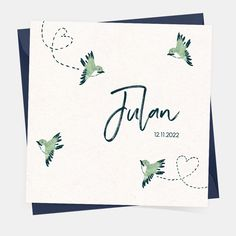Wat een mooi geboortekaartje! De vogels zijn door hipDesign geïllustreerd en ingekleurd met blauw en groen. Kies bijvoorbeeld voor de papiersoort oud-hollands en combineer met een donkerblauwe envelop. Zo maak je het kaartje helemaal stoer.