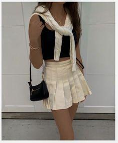 ⛪️ - Grunge Fashion Looks That Feel Very at the moment Tokyo Street Fashion, 80s Fashion, Look Fashion, Fashion Outfits, Grunge Fashion, Fashion Clothes, Clueless Fashion, Fashion Dress Up Games, Preppy Fashion