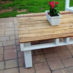 Use a pallet to create an outdoor table this summer.