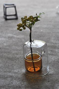Bottle Design, Glass Design, Wabi Sabi, 3d Prints, Vintage Design, Ikebana, Flower Vases, Glass Bottles, Planting Flowers