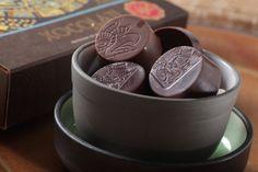 """Jueves de antojo... Disfruta hoy de unos deliciosos """"BOMBONES DE CHOCOLATE MAYA"""" de la #reposteriaastor   www.elastor.com.co"""