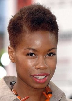 Short Natural Hairstyle Ideas for Black Women 5