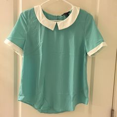 Nwt Peter Pan collar blouse forever 21 m Gorgeous blouse from Forever 21 with real colored bodice and white Peter Pan style collar. One stylish button at back of neck. Brand new with tags and size medium. Forever 21 Tops Blouses