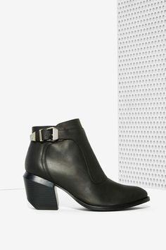 Jeffrey Campbell Maverick Leather Boot//