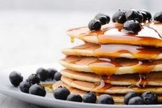Yesterday we told you how much we love brunch. So in case you're cooking brunch at home today and craving something on the sweeter side, here's another recipe… Blueberry Oatmeal Pancakes, Skinny Pancakes, Pancakes Vegan, Dairy Free Pancakes, Homemade Pancakes, Buttermilk Pancakes, Fluffy Pancakes, Cheese Pancakes, Pancakes Easy
