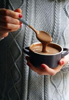 Crema pastelera de chocolate fácil y rápida, especial para rellenos y postres | Las maría cocinillas