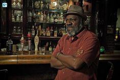 Znalezione obrazy dla zapytania badass bartender