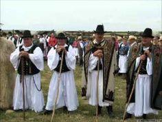 Kiskunsági gulyások - hamar letepne az ingujjat a marha - csikosok. Folk Costume, Costumes, Folk Clothing, Sounds Like, Hungary, Folk Art, Culture, Songs, Traditional