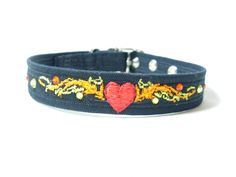 Embroidered Heart Tatto on your custom Dog Collar. Add Your Phone number to the back of the collar. Dog Collar Boy, Girl Dog Collars, Pet Collars, Boy Dog, Dog Lover Gifts, Dog Lovers, Embroidered Dog Collars, Personalized Dog Collars