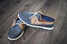 54 Best Boat Shoes Fashion Style Ideas for Men - Bellestilo Crazy Shoes, Me Too Shoes, Men's Shoes, Shoe Boots, Blue Shoes, Nautical Outfits, Nautical Fashion, Best Boat Shoes, Outfits Hombre