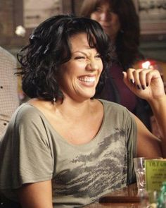 Loved this hair on her. Callie Torres, Grey's Anatomy, Greys Anatomy Callie, Youre My Person, Hair Color And Cut, Medium Hair Cuts, Black Girls Hairstyles, Hair Dos, Fall Hair