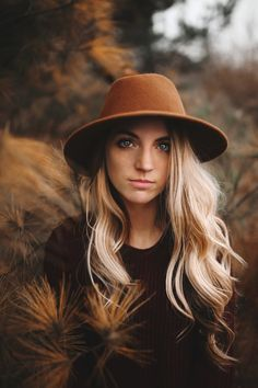 56 New Ideas Photography Portrait Ideas Inspiration Posing Guide Autumn Photography, Senior Photography, Creative Photography, Digital Photography, Photography Tips, Photography Composition, Photography Contests, Modern Photography, Photography Awards