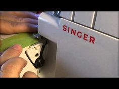 Singer's How to Thread the Singer 4 Thread Sergers Video Sewing Hacks, Sewing Tutorials, Sewing Projects, Singer Tradition, Singer Overlock, Janome, Sewing For Kids, Clothing Patterns, Sewing Tips