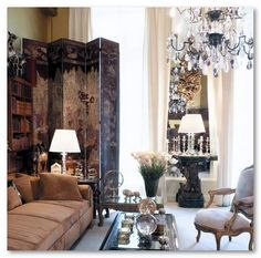 Wilhelmina Home Inspiration - Coco Chanel's Paris Flat Coco Chanel, Chanel Paris, My Living Room, Home And Living, Living Spaces, French Interior, French Decor, Home Theaters, Chinoiserie Chic