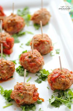 Mexican Meatballs - a tasty appetizer with a kick! Impress your guests with this simple recipe.