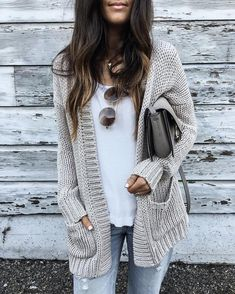 43 Totally Inspiring Womens Cardigan Outfits Ideas For This Spring Cardigan Outfits, Cardigan Fashion, Gray Cardigan, Sweater Cardigan, Batwing Cardigan, Crochet Cardigan, Big Sweater Outfit, Chunky Cardigan, Knit Dress