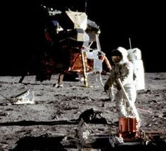 Buzz Aldrin drank wine on the moon, but NASA didnt want you to know about it Moon Missions, Apollo Missions, Neil Armstrong, Apollo Program, Michael Collins, Buzz Aldrin, Air And Space Museum, Space Race, Man On The Moon