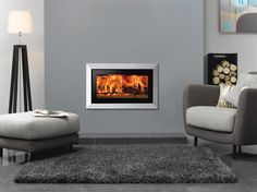 The Stovax Studio Profil inset fire features ultra contemporary styling that fits in perfectly with all modern interiors. The wood burning Studio Profil is Wood Burner Fireplace, Wood Burning Fireplace Inserts, Wood Burning Fires, Inset Fireplace, Contemporary Wood Burning Stoves, Modern Stoves, Contemporary Fireplaces, Log Burner Living Room, Living Room With Fireplace
