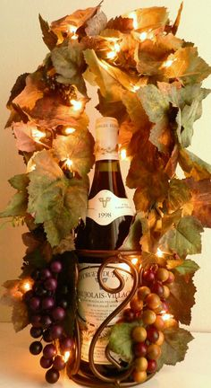 Items similar to Tuscan Decor Grapes Vines Lighted Wine Bottle Holder on Etsy Grape Kitchen Decor, Kitchen Decor Themes, Kitchen Ideas, Design Kitchen, Tuscan Design, Tuscan Style, Tuscan Art, Tuscany Decor, Lighted Wine Bottles
