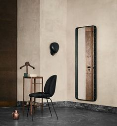 Valet stand and mirror: