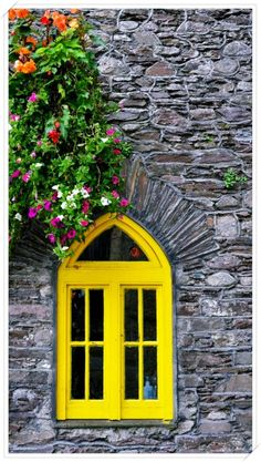 20 Best Ideas For Flowers Yellow Window Boxes Cottage Windows, Unique Paintings, Window View, Window Wall, Through The Window, Window Boxes, Window Design, Mellow Yellow, Bright Yellow