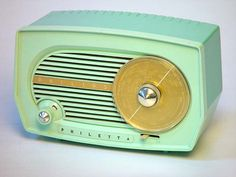 1955 Philips Philetta Model BF-102U Bakelite Radio