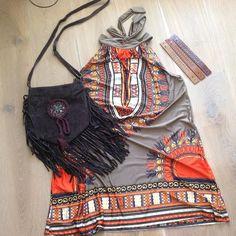 A night out! Ibiza, boho A-lijn mini jurk met een bruine fringe tas en 3 leren armbanden met studs! Alles ook in andere kleuren verkrijgbaar op www.fabstyle.nl #fabstyle #fringe #festival #tas #bag #boho #beach #bohème #Bracelets #armband #jurk #jewelry #ibiza #gypsy #hippie #tuniek #leer #love #stoer #strand #summer #zomer #playa