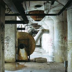 Abandonned factory - Pic by Atothe
