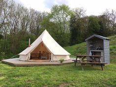 Book Hidden Valley Camping in Worcestershire from Family friendly, dogs allowed, toilet block and campfires allowed. Best prices, easy booking, no fees with immediate confirmation. Bell Tent Glamping, Yurt Tent, Camping Glamping, Camping Hacks, Camping Essentials, Camping Ideas, Camping Nursery, Camping Axe, Camping Storage