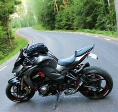 Kawasaki Robo - I Love Motorrad Kawasaki Motorcycles, Cool Motorcycles, Moto Bike, Motorcycle Bike, Super Bikes, Street Fighter Motorcycle, Street Racing, Z 1000, Bike Storage