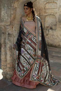 Welcome to Nida Azwer shop! Pakistani Dress Design, Pakistani Dresses, Indian Dresses, Lehnga Dress, Lehenga, Anarkali, Traditional Fashion, Traditional Outfits, African Fashion Dresses