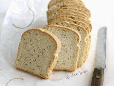 Glutenfreies Brot mit Leinsamen - http://back-dein-brot-selber.de/brot-selber-backen-rezepte/glutenfreies-brot-mit-leinsamen/