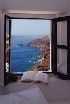 amazing view photography ocean scenic nature mountains pretty book view reading