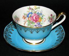 Royal Albert teacup - Blue Gilt Floral
