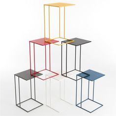 Bert Plantagie Wireless Metal Bijzettafel is een handige en stoere bijzettafel. Zit je lekker op de bank of in een fauteuil bij te komen na een lange dag dan zet je op deze tafel je kop koffie, boek of  iPad lekker dichtbij. Ook handig op kantoor!