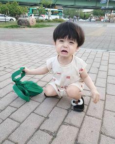 Cute Asian Babies, Korean Babies, Asian Kids, Cute Little Baby Girl, Little Babies, Baby Kids, Baby Girl Pictures, Baby Photos, Cute Babies Photography