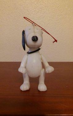 Vintage Snoopy Plastic Toy Peanuts UFS Shultz