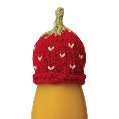 Les jus Innocent - Aidez-nous à tricotez les petits bonnets qui coifferont nos bouteilles de smoothie et venez en aide aux personnes âgées isolées : à chaque bouteille bonnetée achetée, nous reversons 0.20€ à l'association les petits frères des Pauvres.